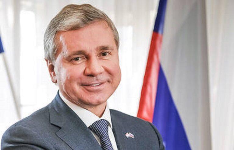 Сергей Черёмин поздравил российских соотечественников с наступающим Новым годом и Рождеством