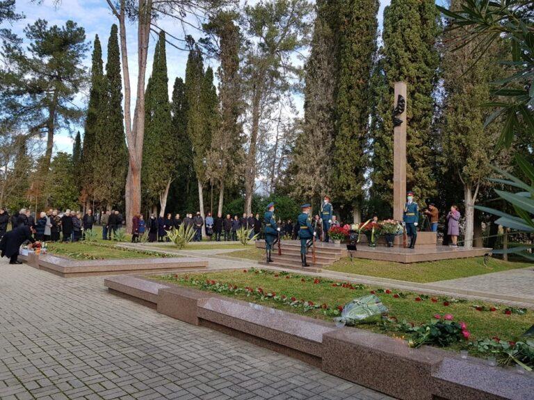 Члены КСОРС почтили память погибших в Латской трагедии